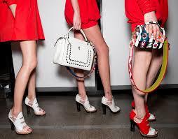 【FENDI ストラップ ユー】でバッグをお洒落に自分だけのバッグにカスタム。